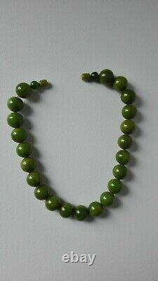 End Of Day Green Bakelite Vintage Necklace, From France