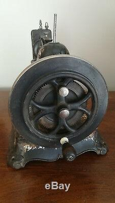 New National Vintage Sewing Machine Epoque 1890-1910 Art Nouveau Style
