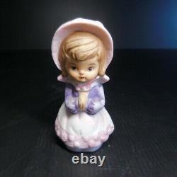 Statue Figurine Religious Girl Prayer Vintage Ceramic Porcelain N6614