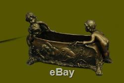 Style Art Nouveau Vintage Figuratif Enfants Bronze Planteur Sculpture Deco Solde