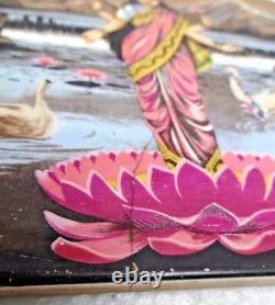 Vintage Art Nouveau Majolique Céramique Tuile Représentant Déesse Lakshmi Japan