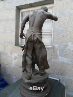 Vintage Statue Forgeron travail sur ancre signé ROUSSEAU art nouveau deco