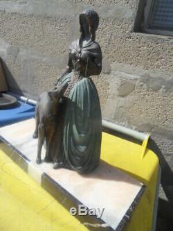Vintage Statue art nouveau Chryselephantine Elegante levrier barzoi by Miandres